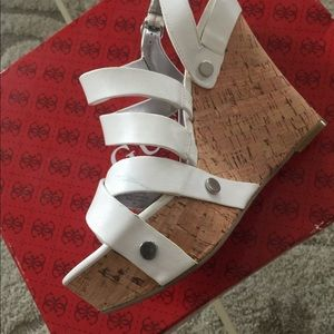 Guess sandals size 7 white leather